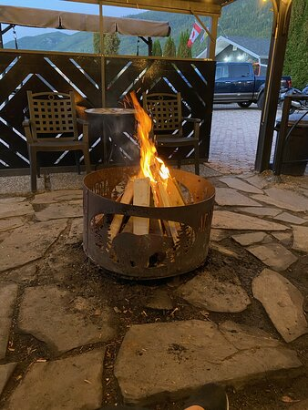 Fauquier, Canada: Inviting fire pit