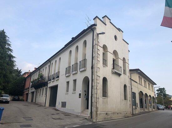 Palazzo Chiaradia ( Oggi Sommacal )