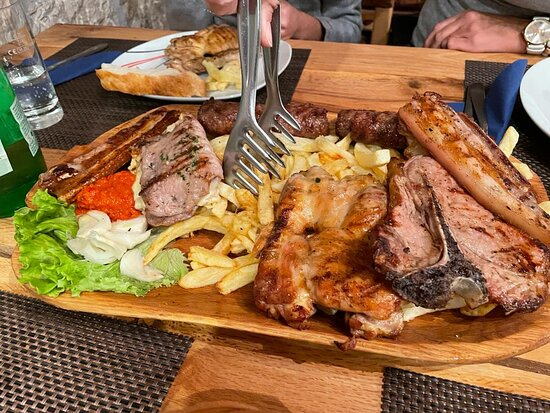 Zagvozd, Croatia: Beautiful tavern with excellent food and very good and kind hosts. Nicely decorated and clean. All praise and warm recommend.Fantastic food