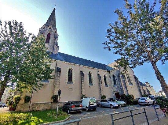 Eglise de la Chapelle-des-Marais