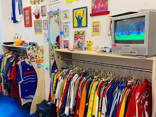 Stunner: Retro Football Store