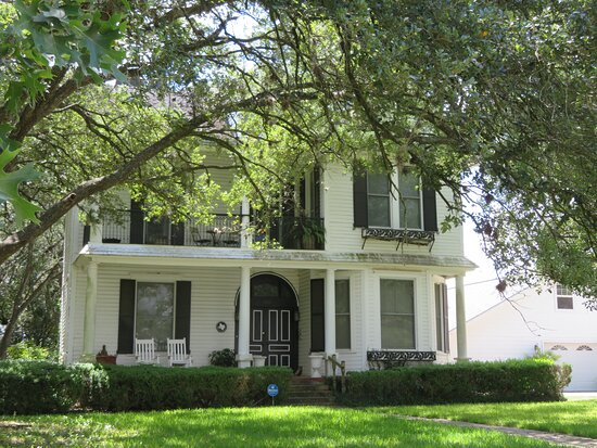 1902 Dr. J. J. Fouts House
