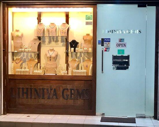 Lihiniya Gems