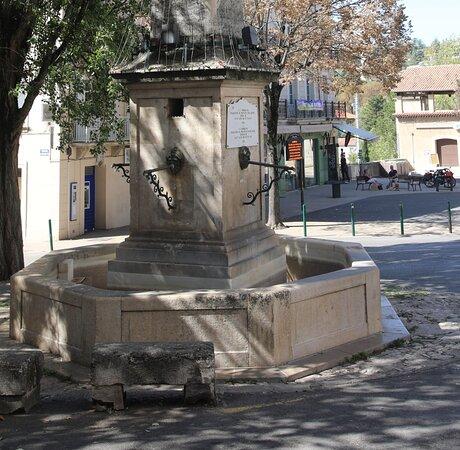 La Fontaine Du Bourguet À Forcalquier