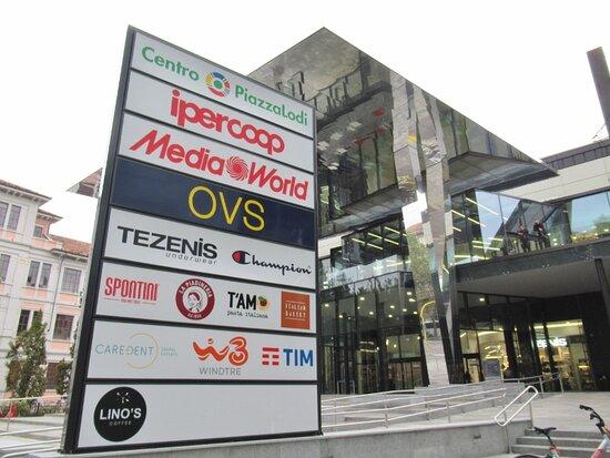 Centro Commerciale Piazzalodi