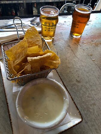 We went to another place and couldn't get waited on and we stopped here, not a mistake. Food was great service just as great. Had the Mahi sandwich and husband had bacon ranch chicken sandwich. Had the Queso jalapeño blanco the best.