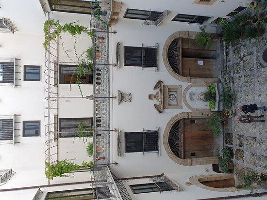 Palazzo Drago Airoldi di Santa Colomba