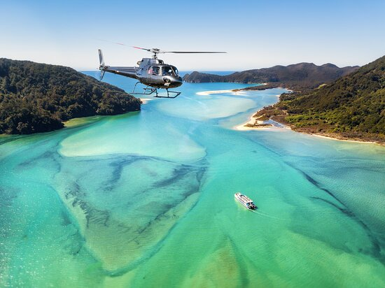 Nelson, Nouvelle-Zélande : Abel Tasman National Park - one of our most popular tours.  Golden sand beaches and turquoise blue waters.  Simply breathtaking!