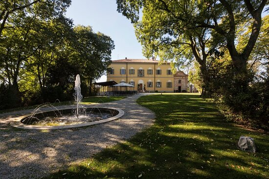 La nuova location de I Due Buoi è a Olivola, nella splendida Villa Guazzo Candiani