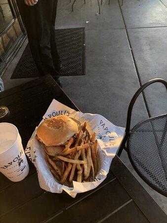 เซลมา, เท็กซัส: flame grilled chicken burger