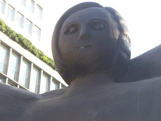 """Statua """"personaggio"""""""