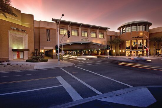 Holiday Inn Express & Suites Scottsdale - Old Town, an IHG hotel