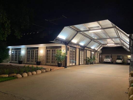 All Seasons Motor Lodge