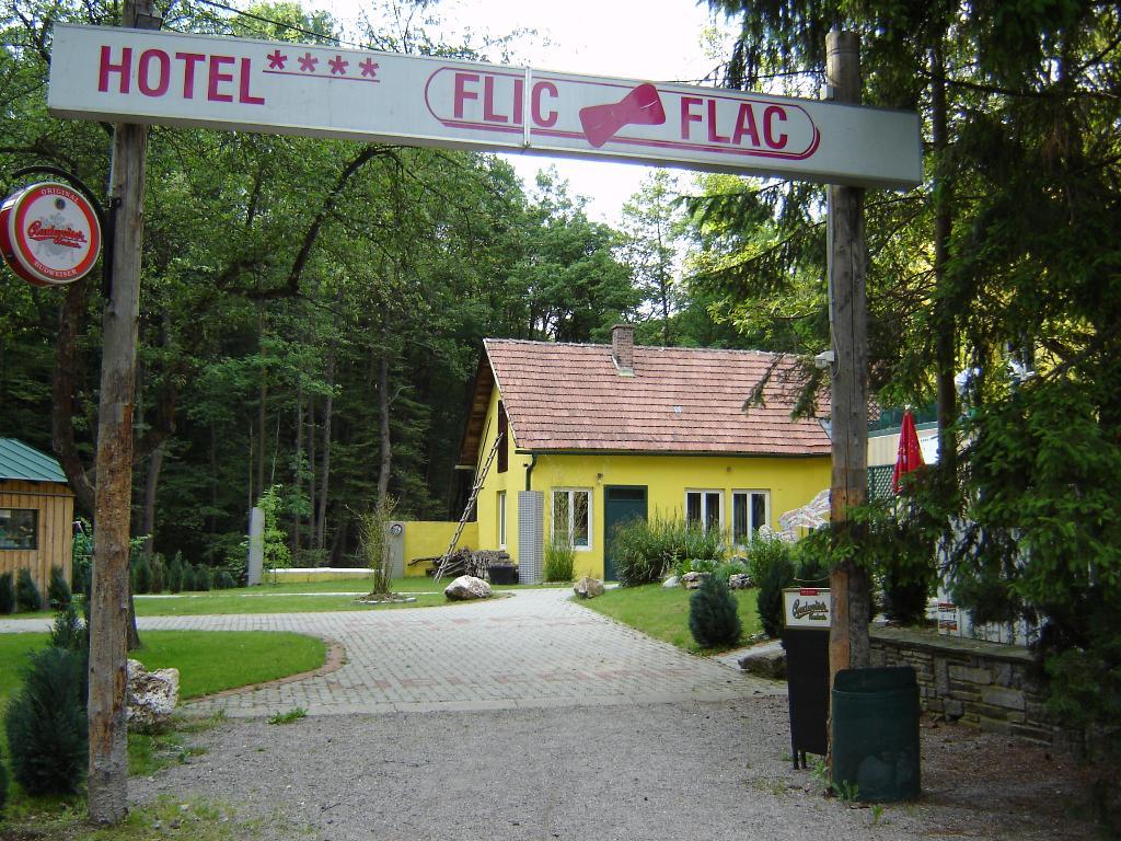 Hotel Flic - Flac