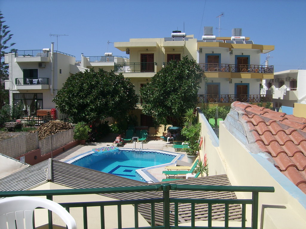 Stefania Apartments