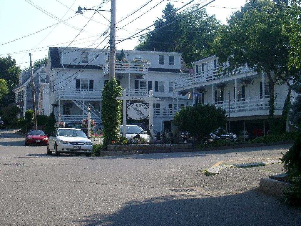 Eagle House Motel