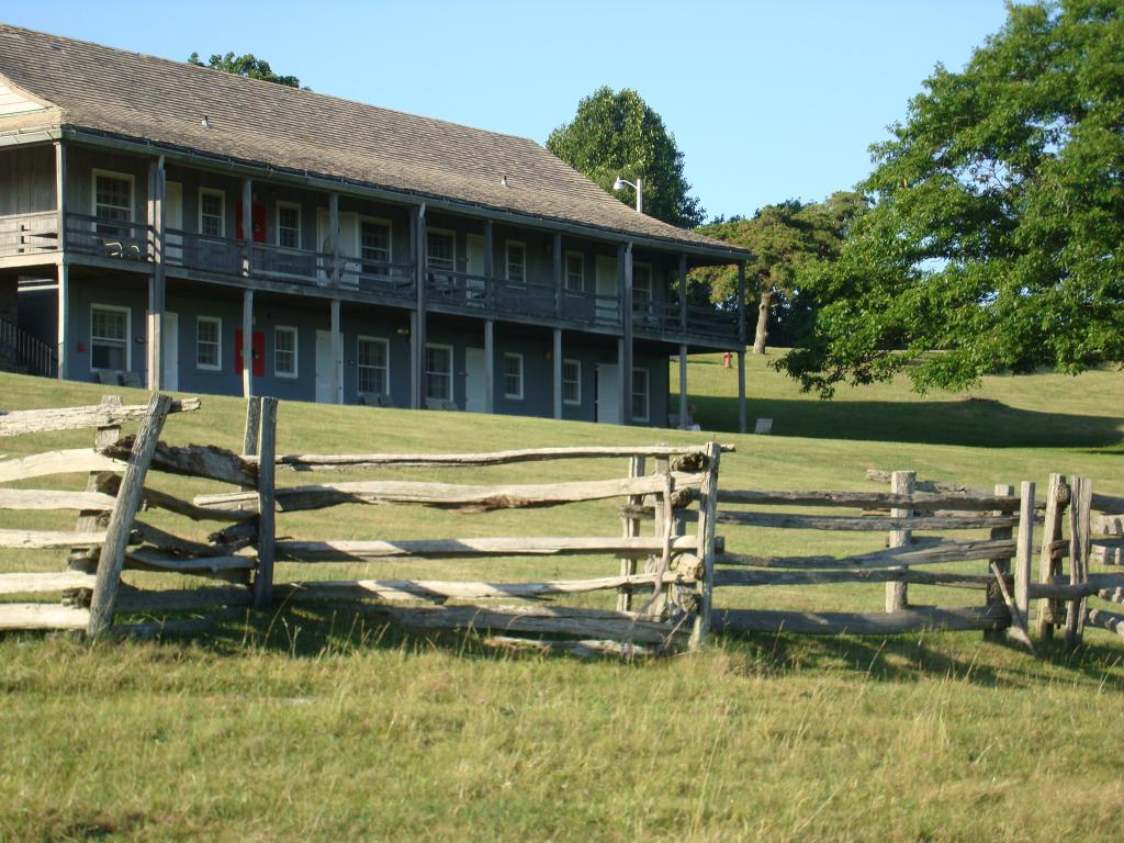 Bluffs Lodge