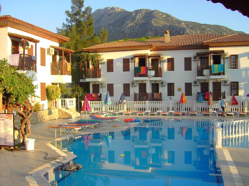 Lagoon Hotel