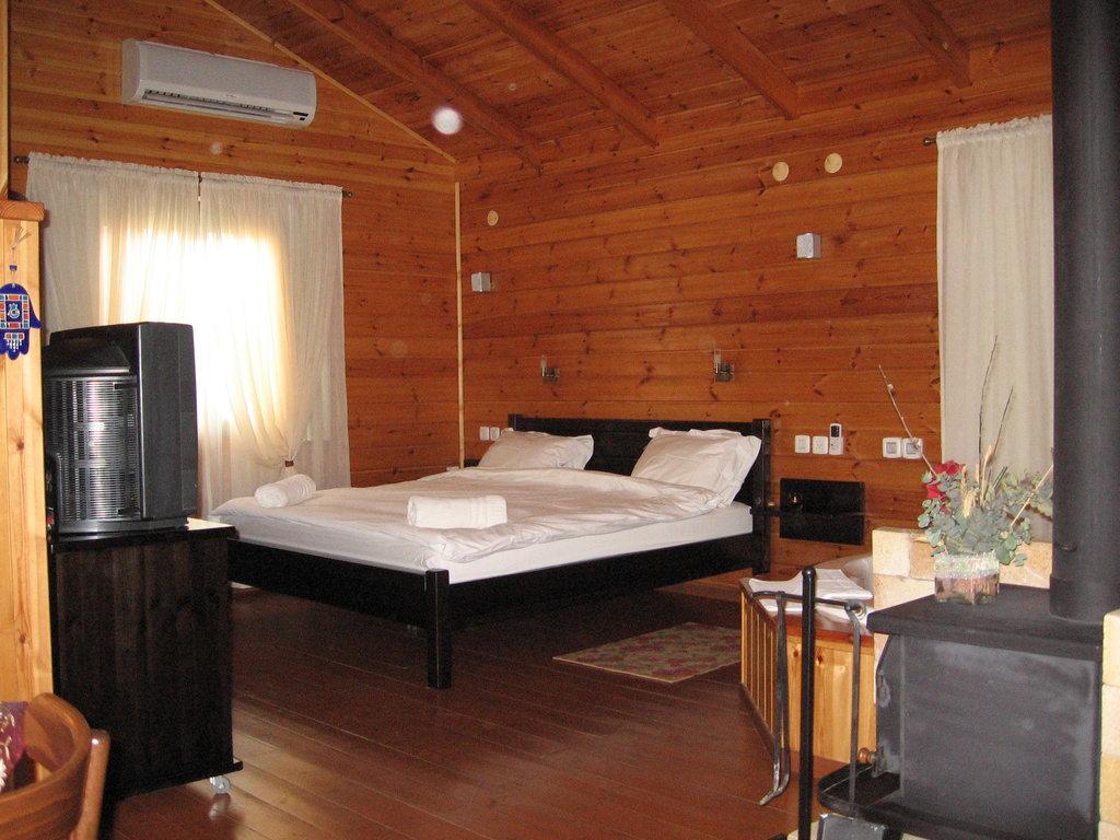 Aromantica Cabins