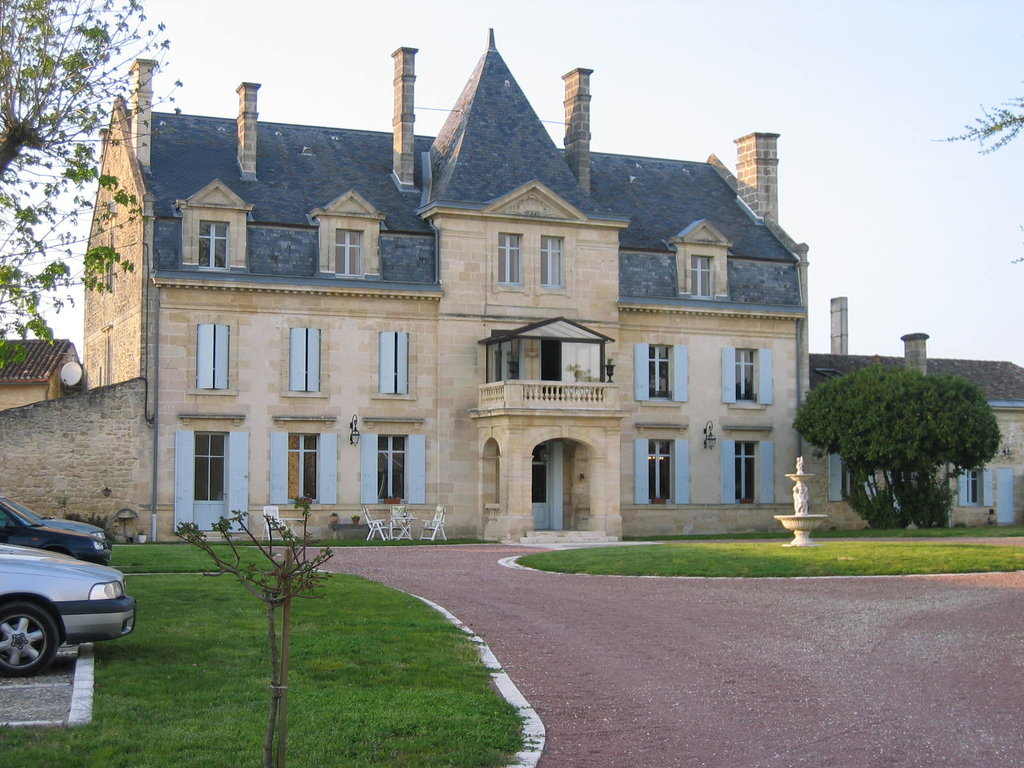 ‪Chateau Julie‬