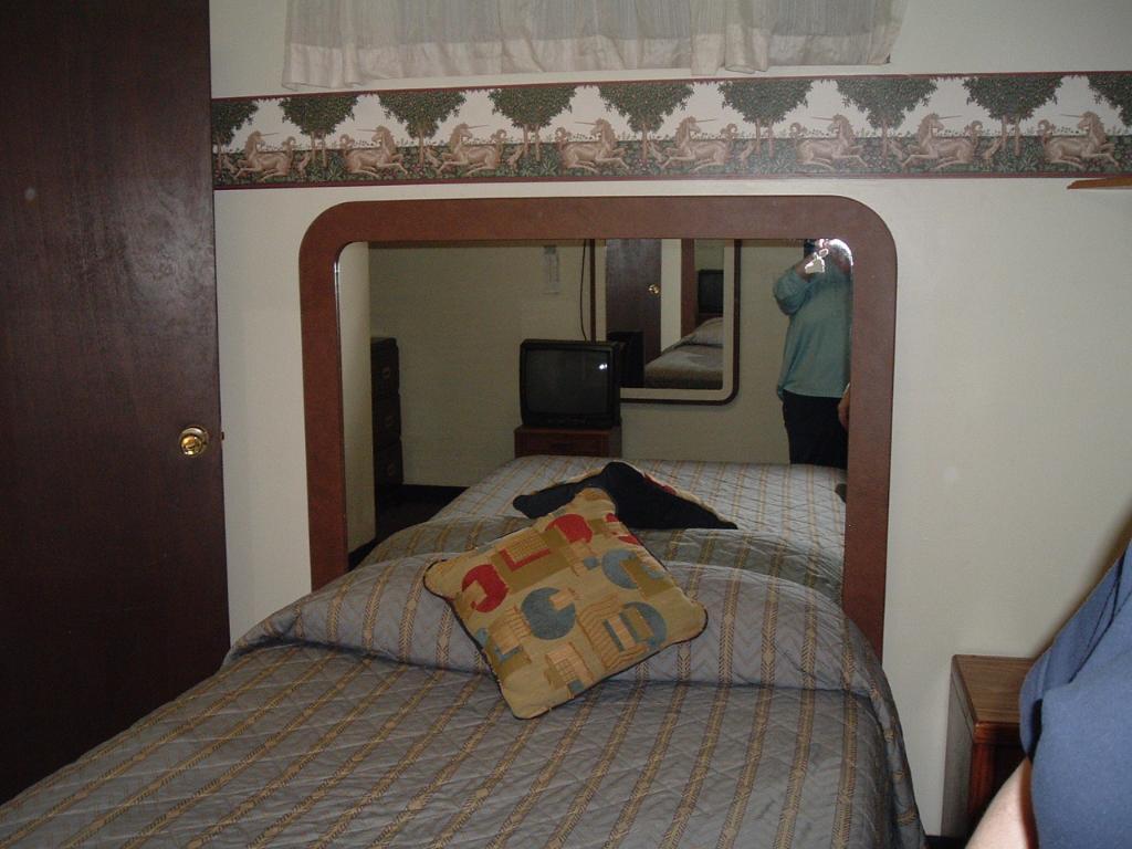 Bellwood Hotel