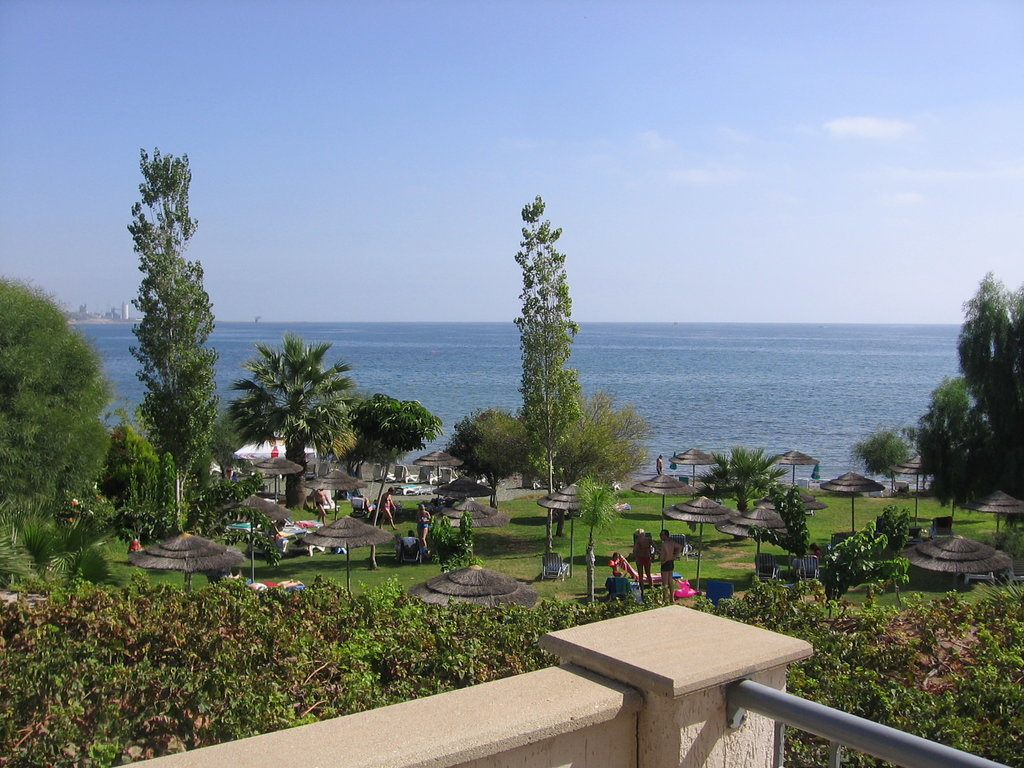 Andreas & Melani Beach Hotel