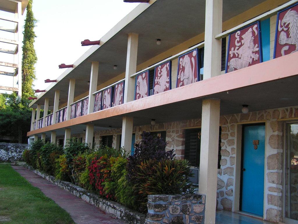 Piramide Inn