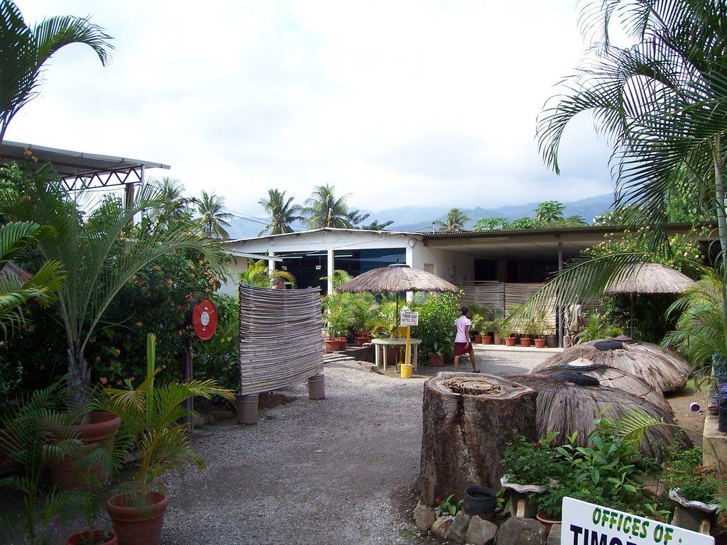 Gino's Hotel