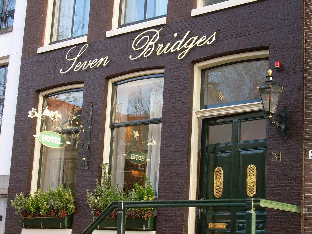 Seven Bridges Hotel