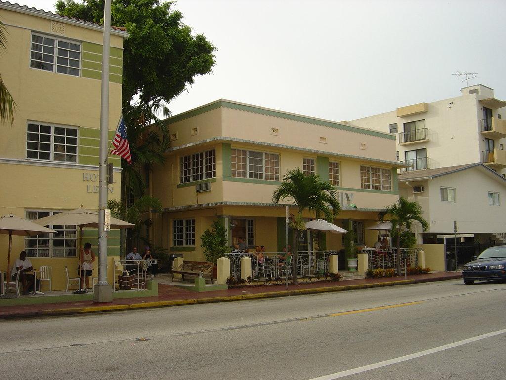Lily Leon Hotel