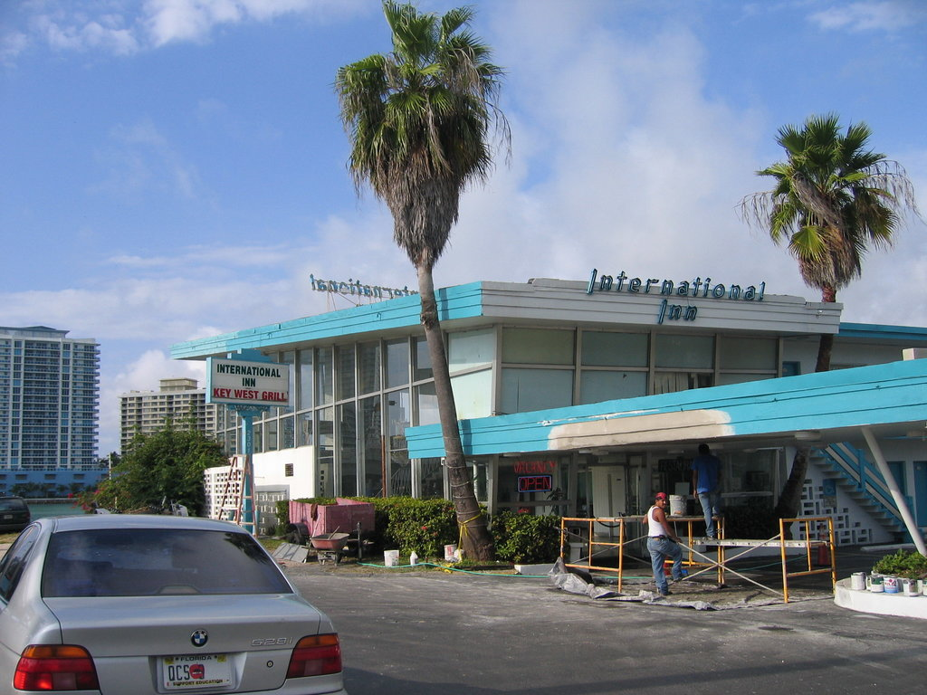 International Inn on the Bay