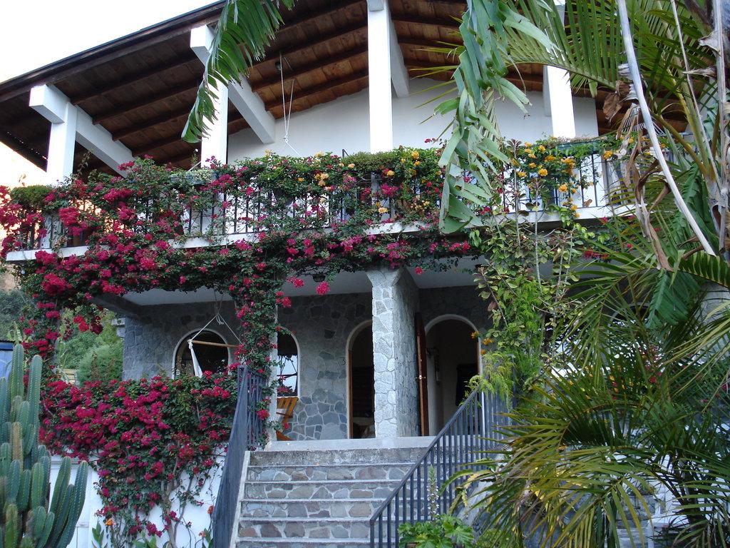 Vulcano Lodge