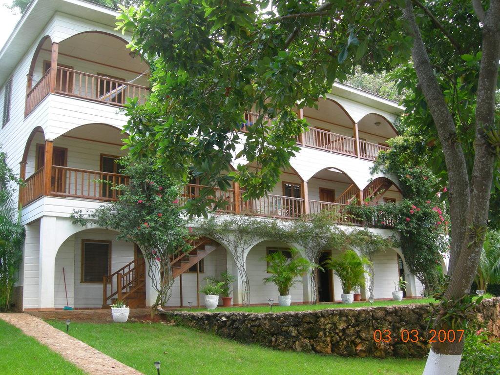 The Colibri Hill Resort
