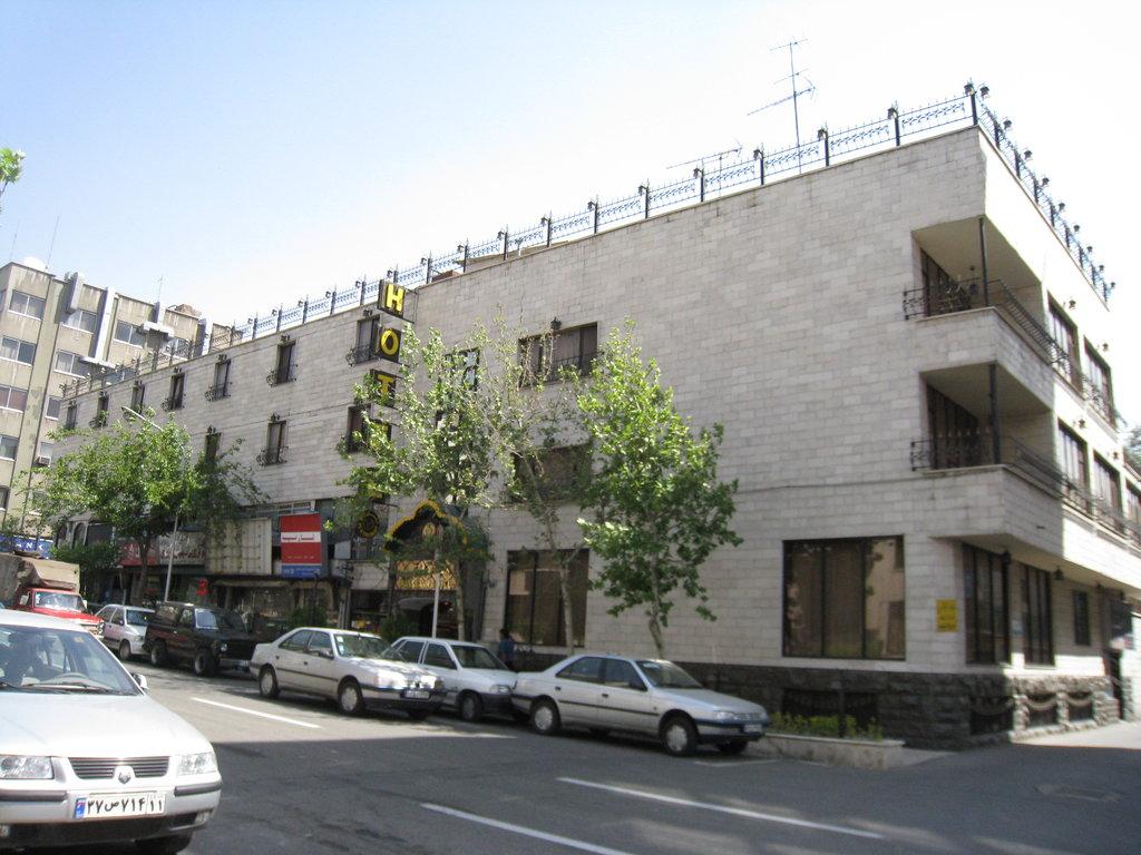イラーンシャハル ホテル