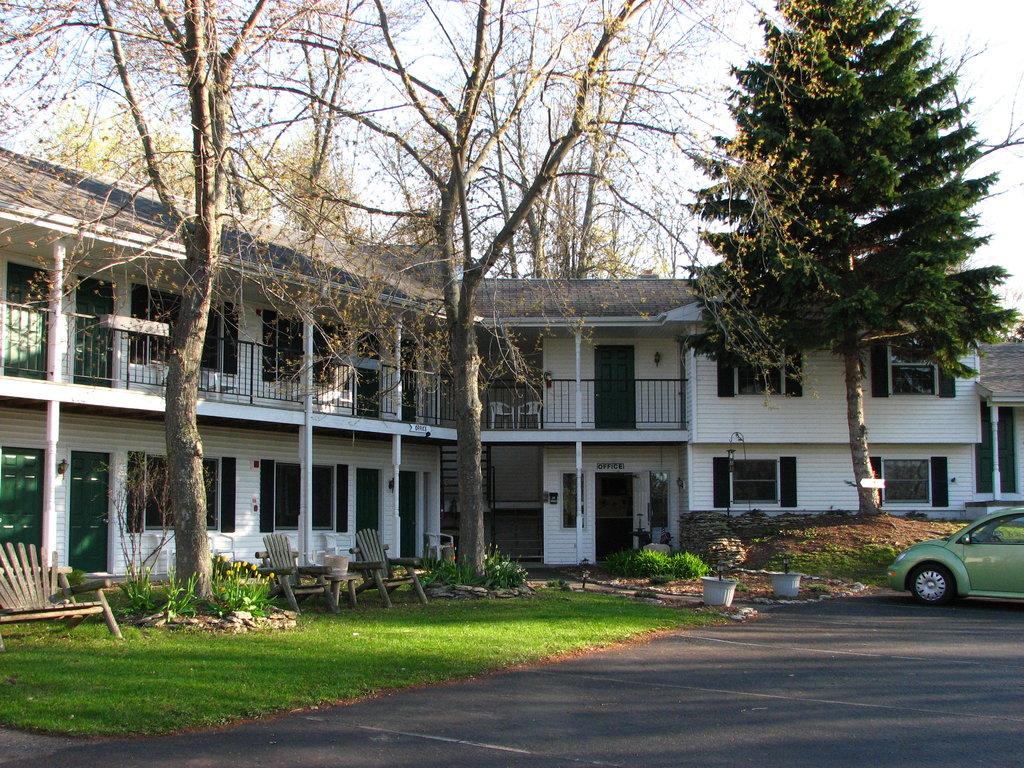 Parkside Inn