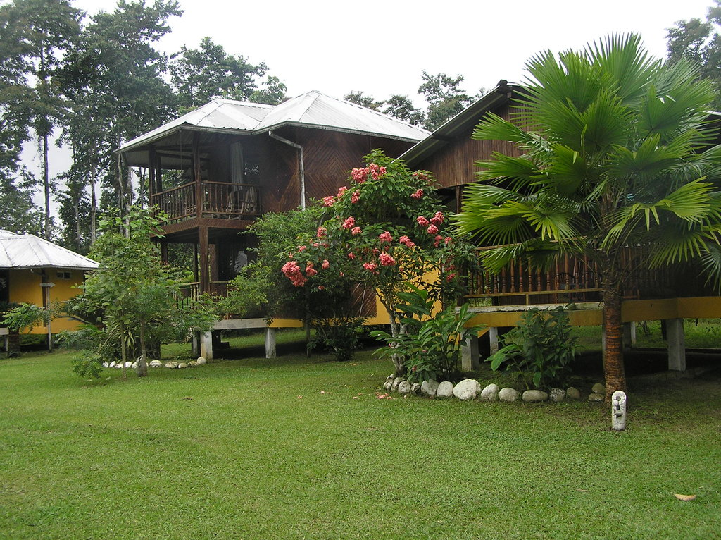 La Isla Hosteria