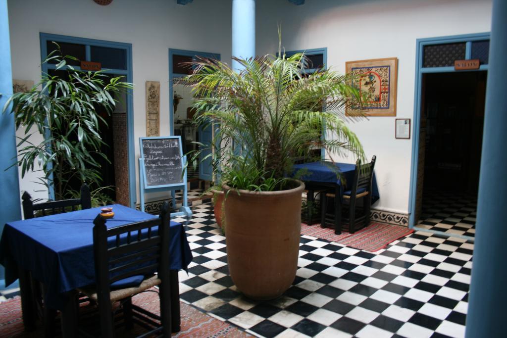 Hotel Les Matins Bleus