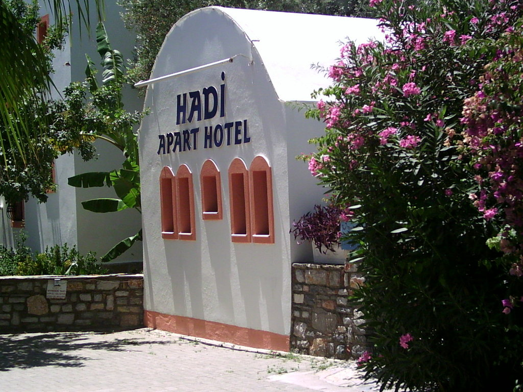 Hadi Apartments