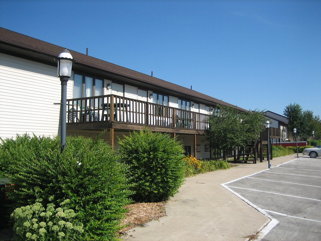 Lake Panorama National Inn and Suites