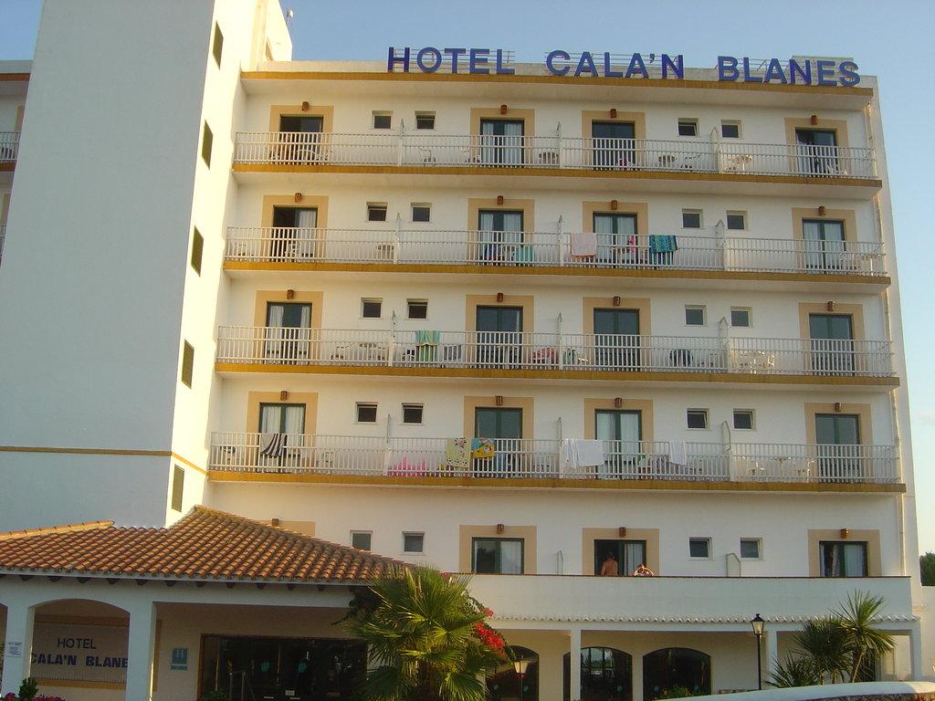 Cala'n Blanes Beach