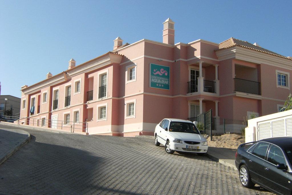 Aqua Mar Apartments