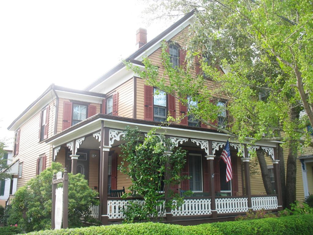 Henry Sawyer Inn