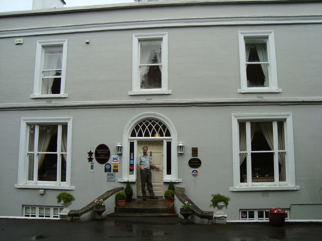 Barrowville Town House