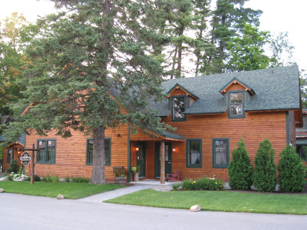 Pine Lodge Condominiums