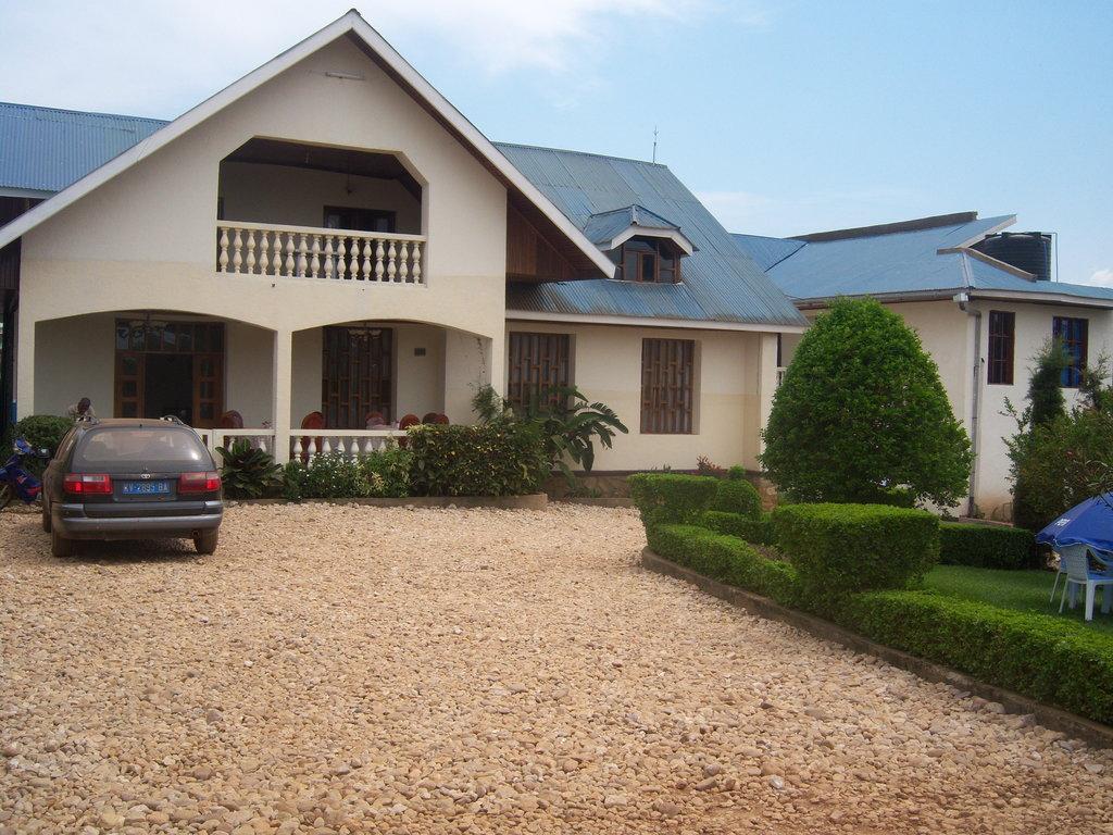 Alpajob Guest House
