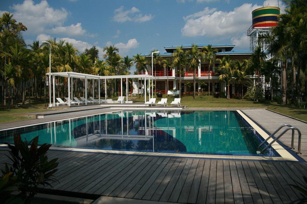 Myanmar Life Hotel