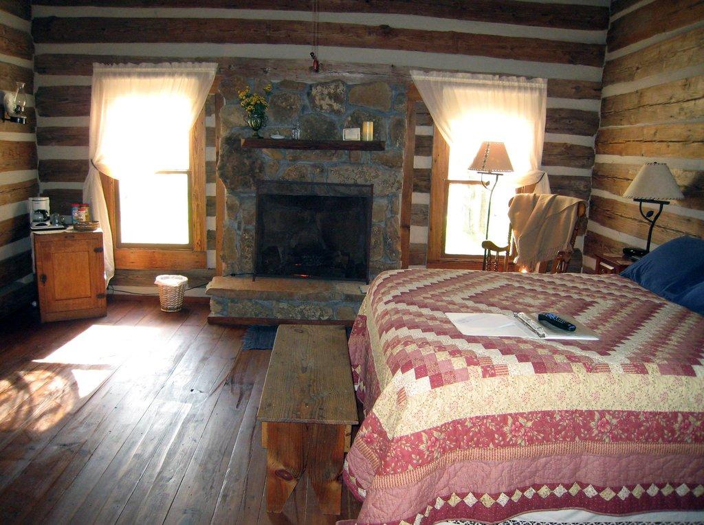 Granbury Log Cabins