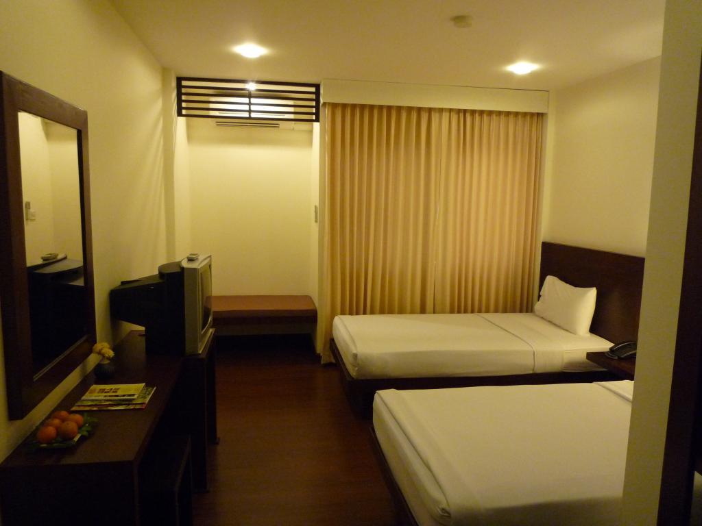 โรงแรมพอร์ทติโก้ 21