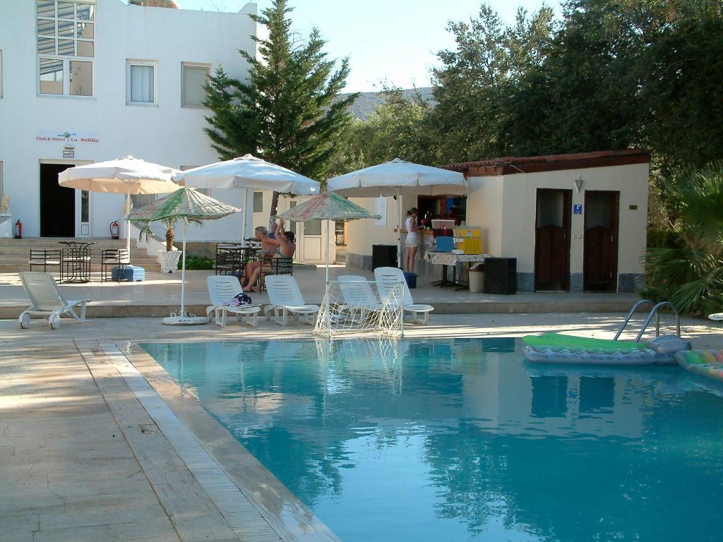 La Serra Club & Hotel