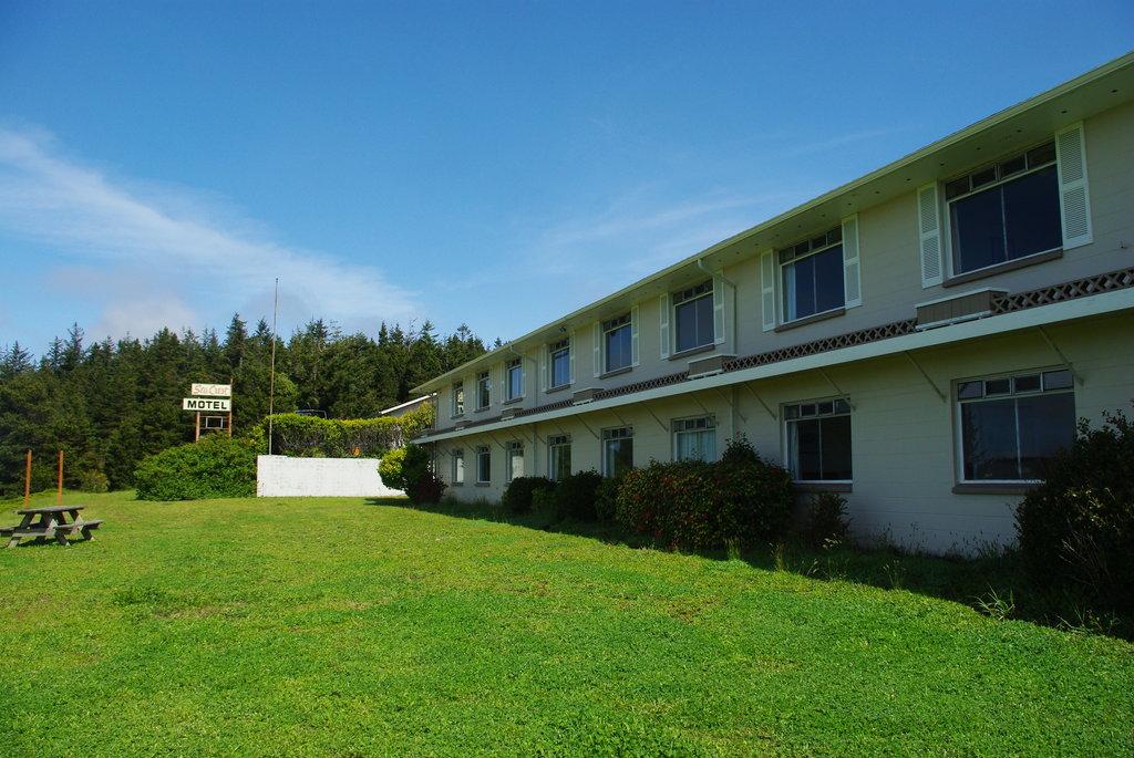 Sea Crest Motel